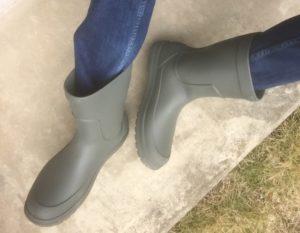 クロックスの足の大きな人でも履ける長靴俯瞰から